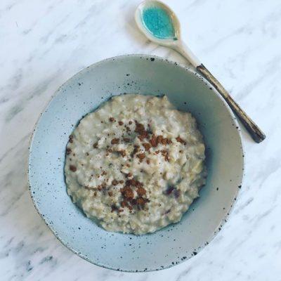 Banana & Date Porridge